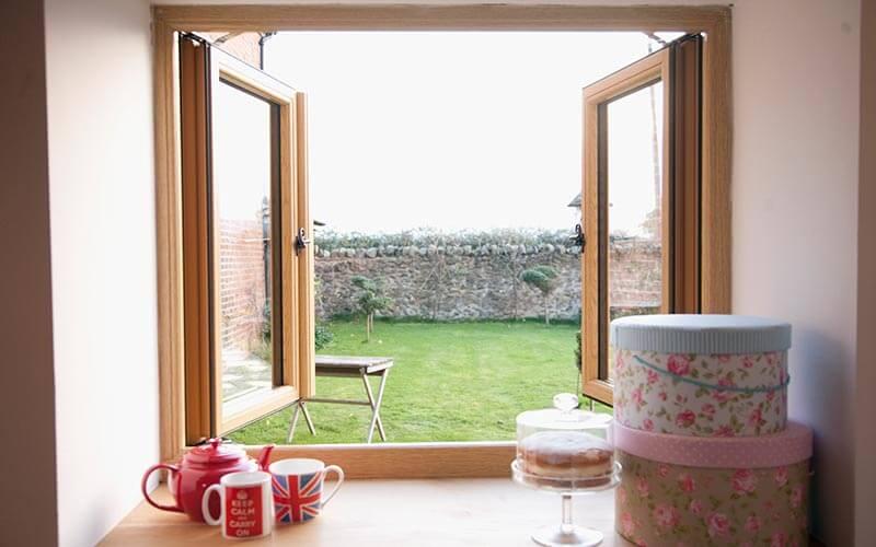 Oak Effect Residence 9 windows